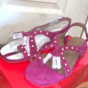 ❣️💕 Aerosoles Fuchsia pink suede Fringe Sandals